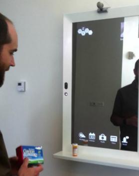 Der Internetspiegel für das Badezimmer